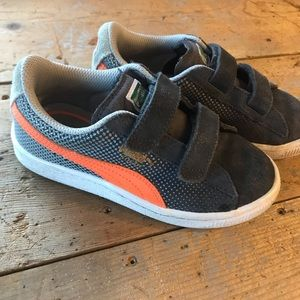 Other - Boy's leather Puma sneakers
